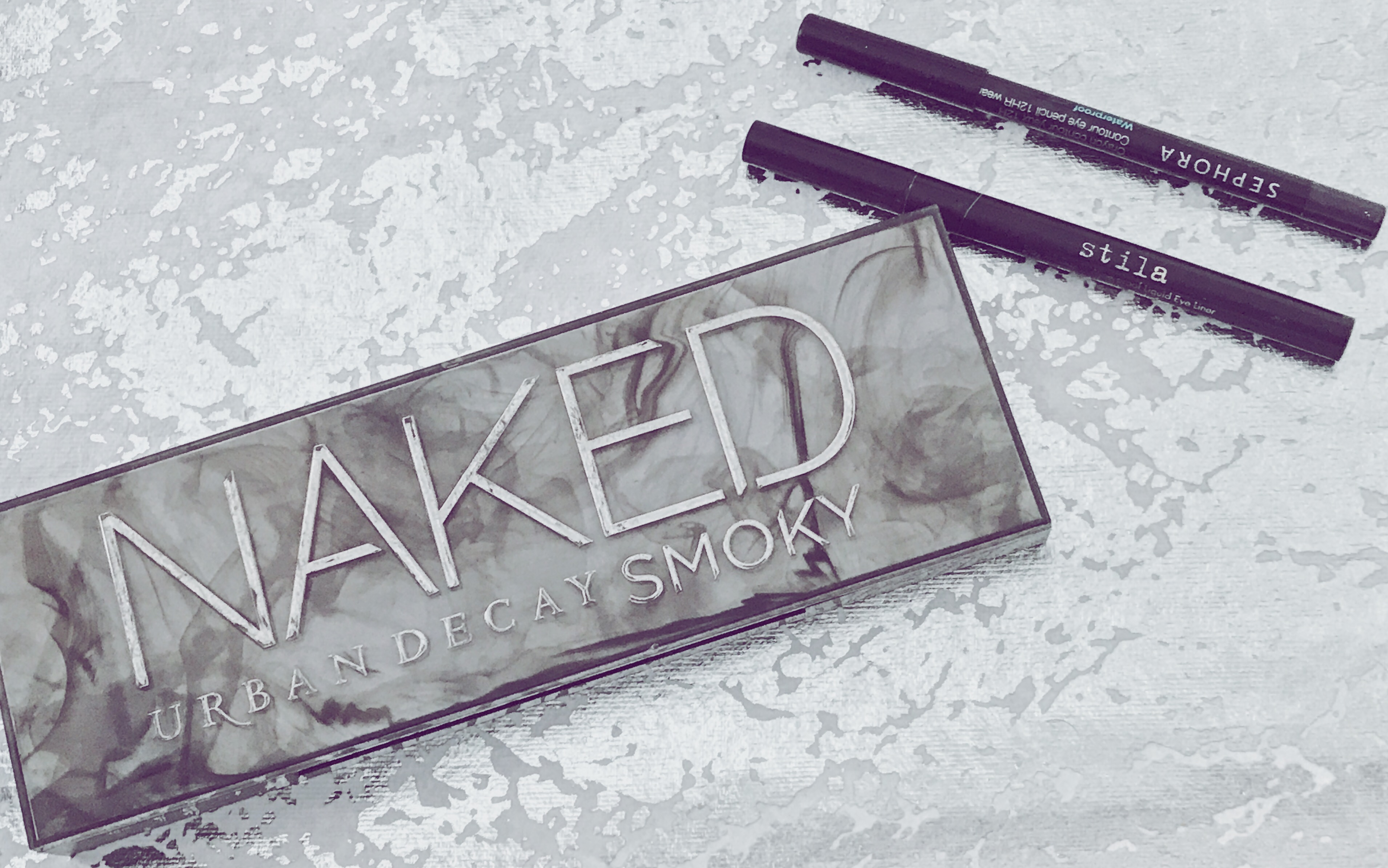 Naked Smoky and eyeliner